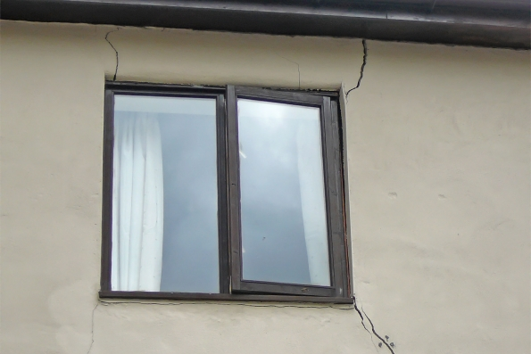inspection of cracking to masonry